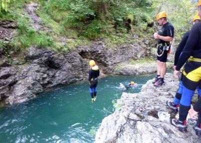 Canyoning Sprung ins Wasser