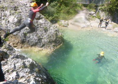 Canyoning - Springen in Gumpen